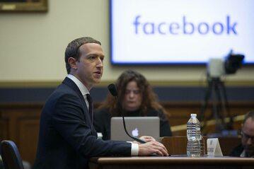 Mark Zuckerberg zeznaje w senacie USA