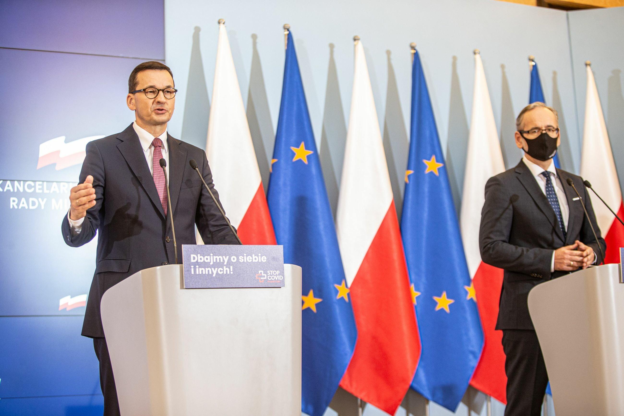 Mateusz Morawiecki i Adam Niedzielski o obostrzeniach. Konferencja na żywo. Będzie drugi lockdown?
