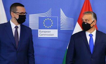 Mateusz Morawiecki i Viktor Orbán na spotkaniu przywódców państw w listopadzie 2020 roku
