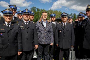 Mateusz Morawiecki podczas spotkania ze strażakami