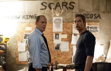 """Matthew McConaughey i Woody Harrelson w 1. sezonie serialu """"Detektyw"""""""
