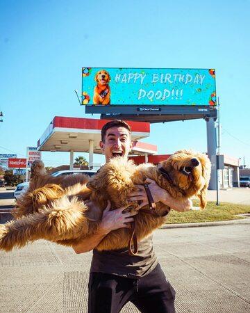 Maxx Chewning i jego pies Dood