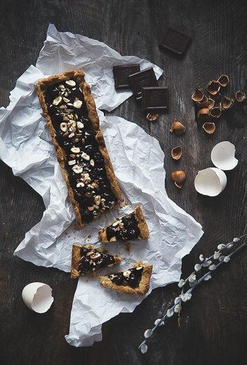 Mazurek wielkanocny czekoladowo-orzechowy