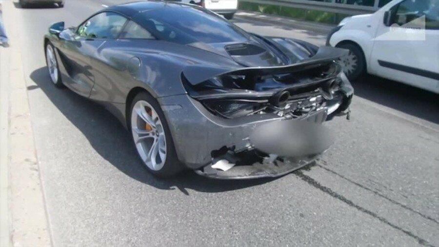 McLaren rozbity na Wale Miedzeszyńskim w Warszawie