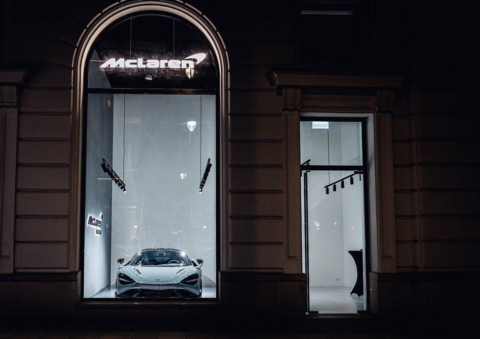 McLaren Warszawa Concept Pop-Up Store w Europejski Boutiques