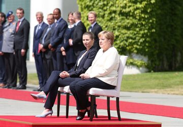 Mette Frederiksen i Angela Merkel