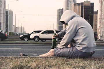 Mężczyzna z piwem