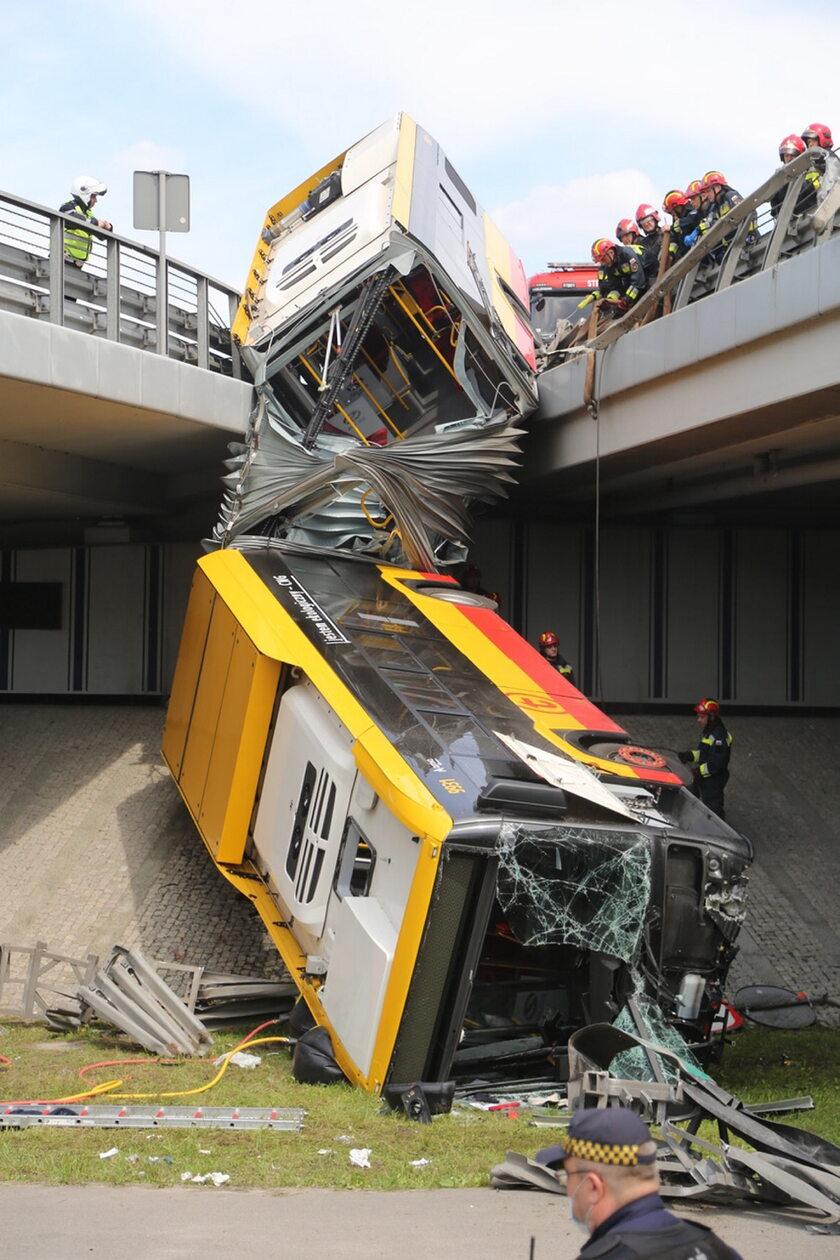 Miejsce wypadku autobusu w Warszawie