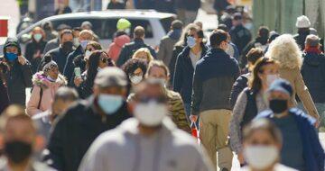 Mieszkańcy nowego Jorku podczas pandemii koronawirusa, zdjęcie ilustracyjne