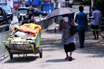 Mieszkańcy Sri Lanki w dobie pandemii, zdjęcie ilustracyjne