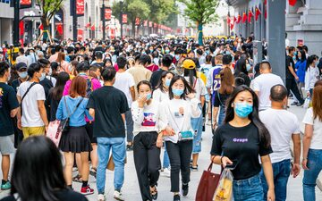 Mieszkańcy Wuhan w październiku 2020 roku