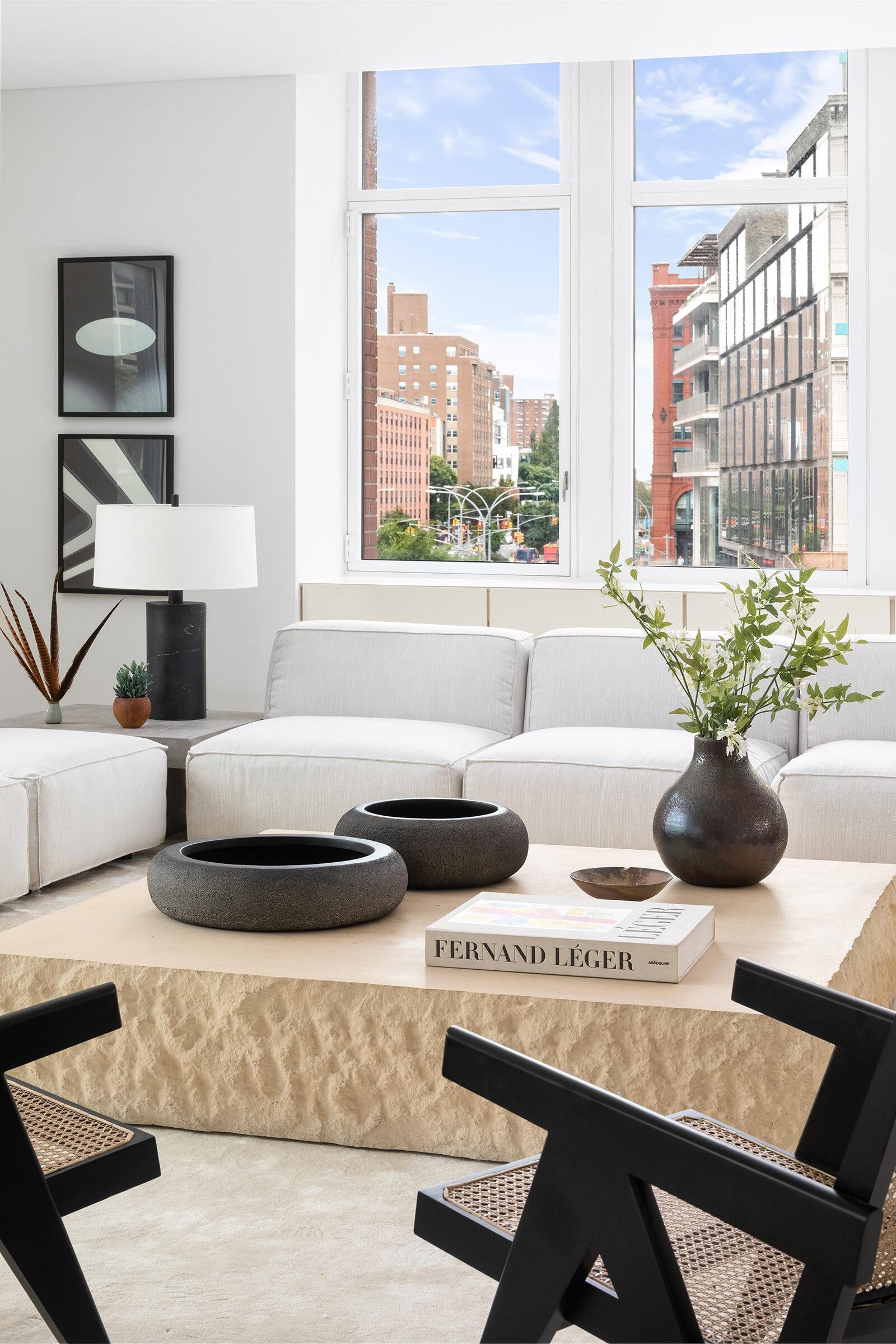 Mieszkanie usytuowane jest na Houston Street w Nowym Jorku