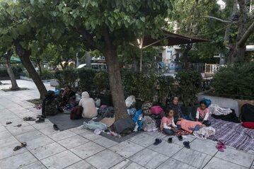 Migranci docierający na wyspę Lesbos