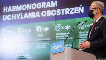 Minister Adam Niedzielski na konferencji ws. obostrzeń