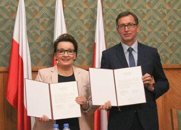 Minister Edukacji Narodowej Anna Zalewska i Prezes Instytutu Pamięci Narodowej dr Jarosław Szarek