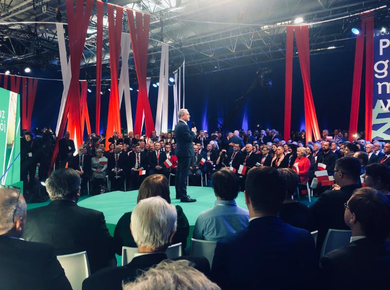 Minister Jerzy Kwieciński podczas konwencji PiS