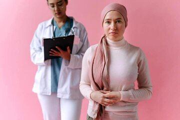 Ministerstwo Zdrowia tłumaczy kontrowersyjną sprawę związaną z lekiem dla chorych na raka jajnika.
