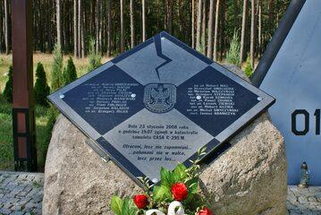 MIROSŁAWIEC – pomnik ofiar katastrofy samolotu CASA