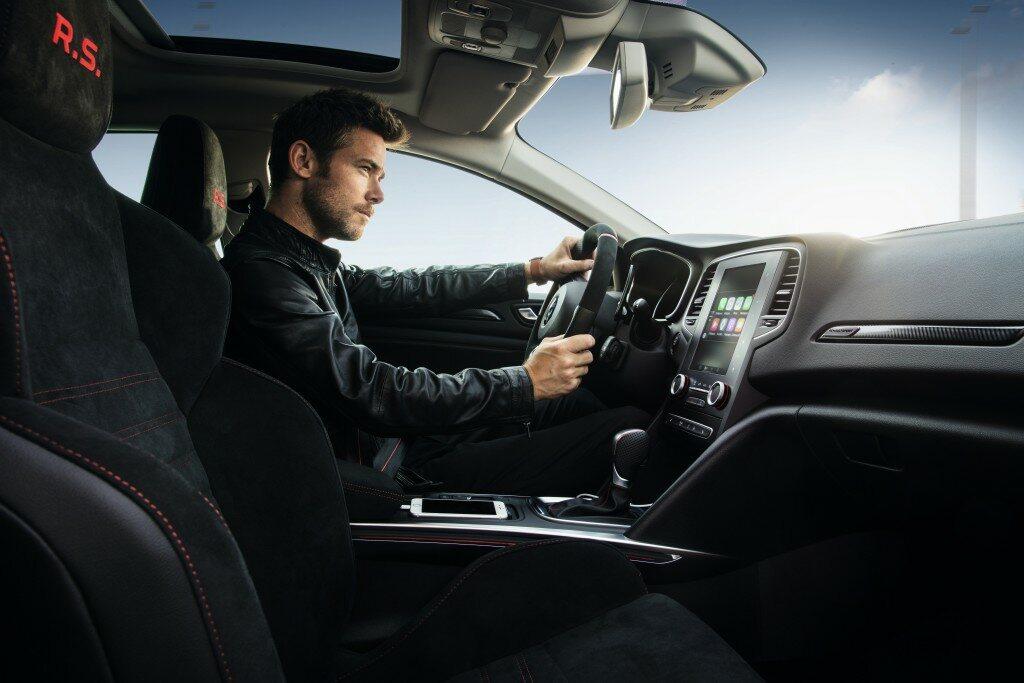 Młodzi kierowcy powodują najwięcej wypadków