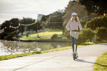 Młodzież nie chce ograniczeń prędkości na hulajnogach