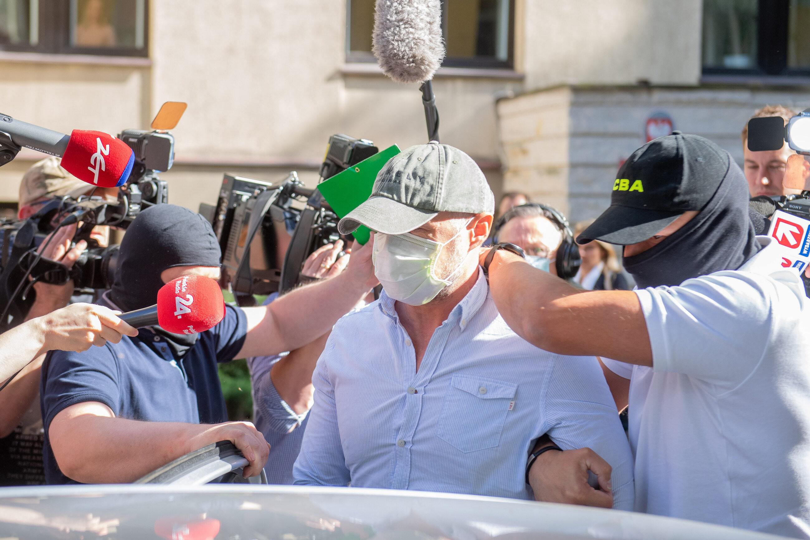 Moment doprowadzenia Sławomira Nowaka do sądu, lipiec 2020