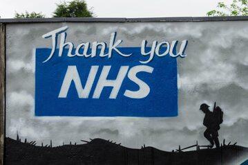 Mural stworzony w podziękowaniu dla pracowników NHS