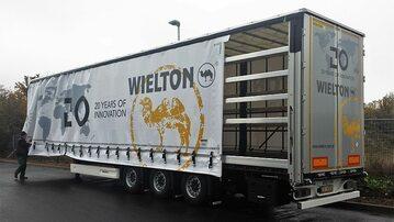Naczepa firmy Wielton