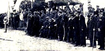 Nadanie Orderów Virtuti Militari żyjącym weteranom powstania styczniowego przez Józefa Piłsudskiego