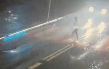 Nastolatka potrącona na pasach przez dwa auta