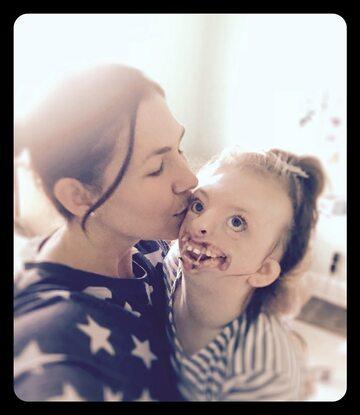 Natalie Weaver z córką Sophie