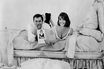 """Natalie Wood w filmie """"Samotna dziewczyna i seks"""" (1964)"""