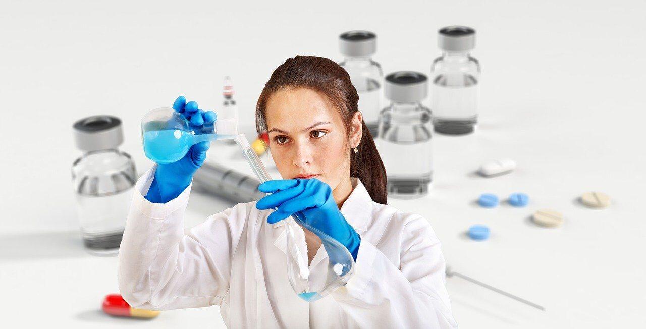 naukowiec przy pracy