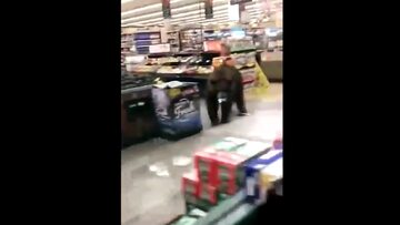 Niedźwiedź w supermarkecie
