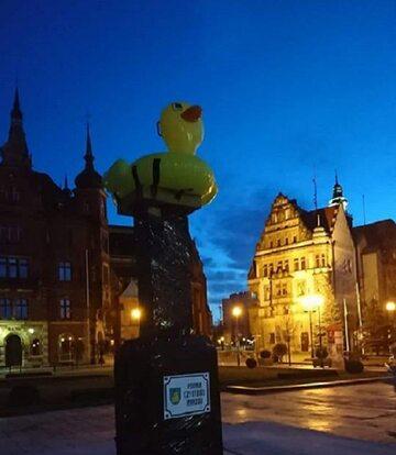 Nietypowy pomnik w Legnicy