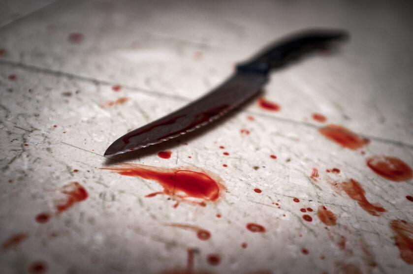 Nóż, krew