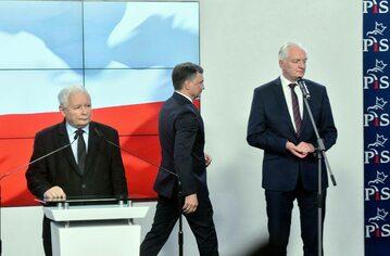 O napięciach w Zjednoczonej Prawicy robi się coraz głośniej. Na zdjęciu: Jarosław Kaczyński, Zbigniew Ziobro i Jarosław Gowin