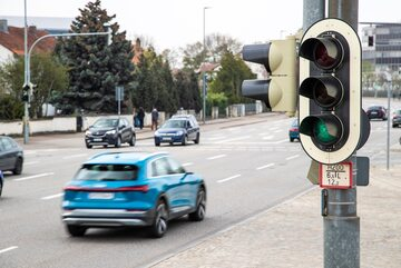 "O ""zielonej fali"" poinformuje samochód"