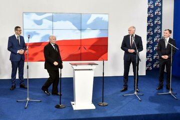 Od lewej: Mateusz Morawiecki, Jarosław Kaczyński, Jarosław Gowin i Zbigniew Ziobro