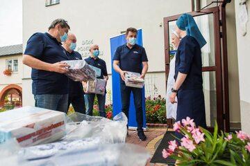 Od początku epidemii, za pośrednictwem Fundacji Enea, przekazano już ponad 4 mln zł na walkę z koronawirusem