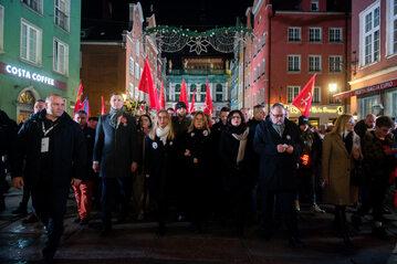 Odsłonięcie tablicy pamięci Pawła Adamowicza w Gdańsku
