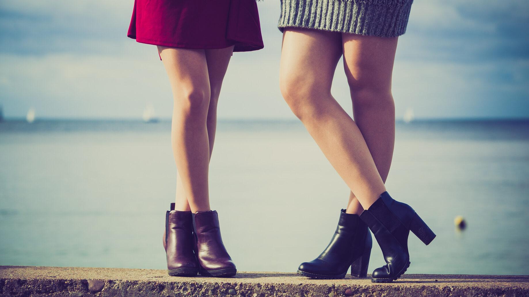 Odsłonięte nogi (zdj. ilustracyjne)