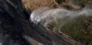 Odwrócony wodospad w Australii