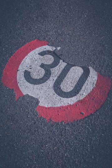Ograniczenie prędkości - zdjęcie ilustracyjne