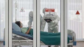 Pacjent z COVID-19, zdjęcie ilustracyjne