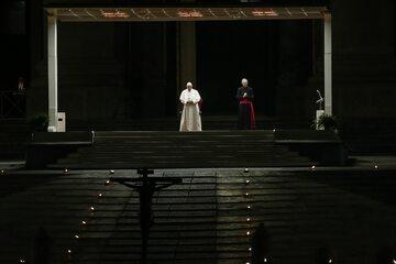 Papież Franciszek podczas Drogi Krzyżowej