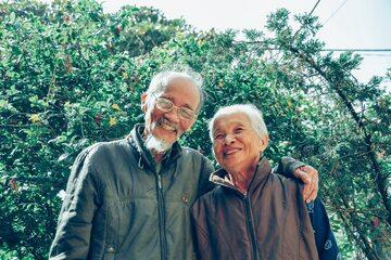 Para starszych ludzi