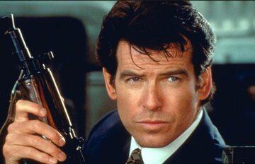 Pierce Brosnan jako James Bond