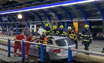 Pijany kierowca sparaliżował Pragę