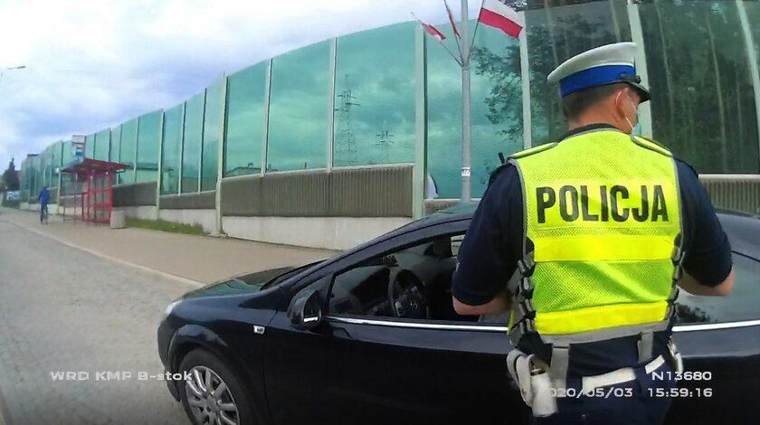 Pijany kierowca zaczął rzucać nożami