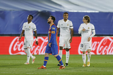 Piłkarze Realu Madryt i FC Barcelony